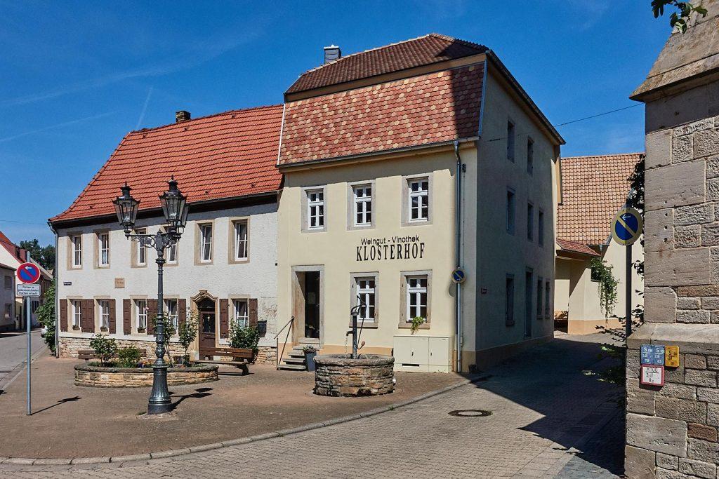 Weingut und Vinothek Klosterhof in Flonheim
