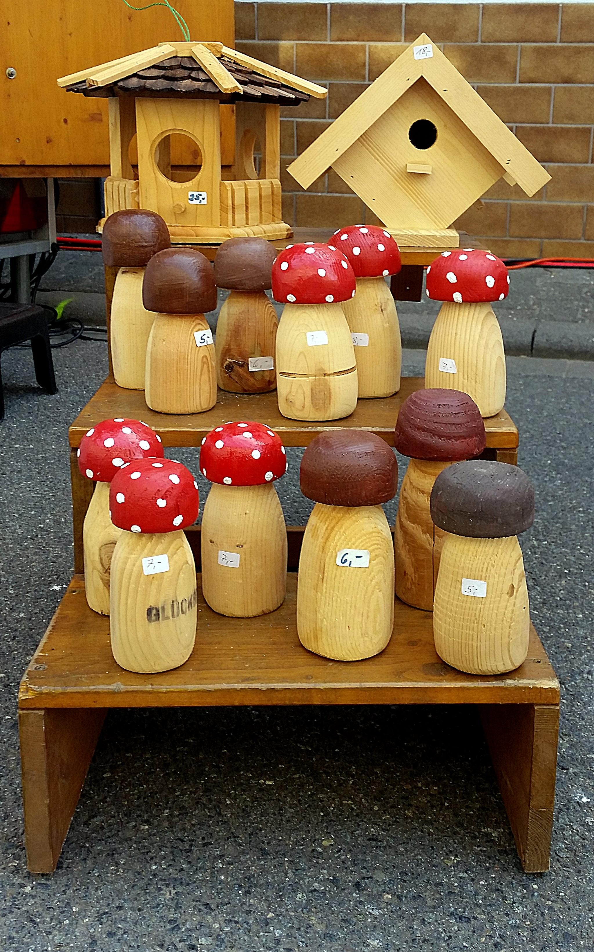 Bauern- und Handwerkermarkt Nieder-Hilbersheim Holzpilze