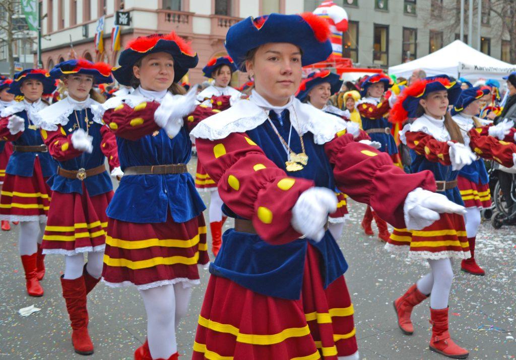 Mädchen der Mainzer Burggrafengarde.